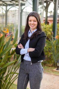 Luana Manzini Especialista em Marketing Jurídico